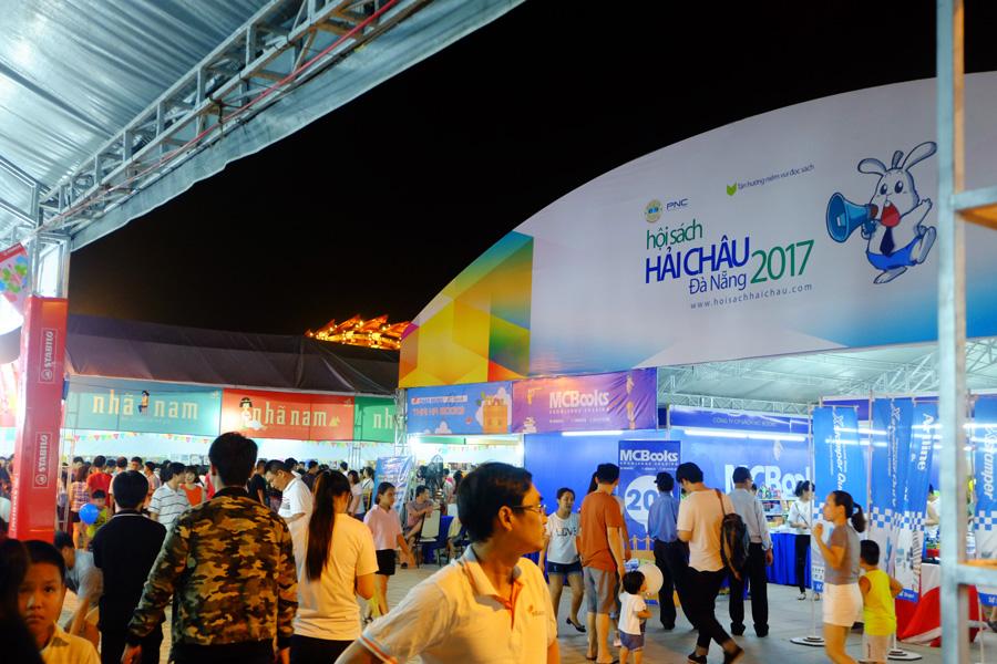 hoi-sach-hai-chau-da-nang-2017