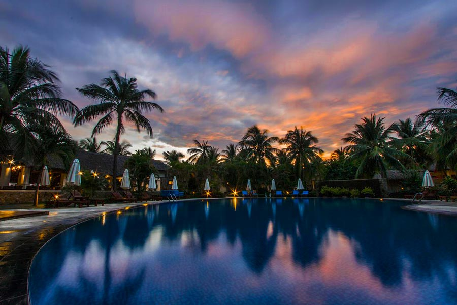 khach-san-phan-thiet-co-ho-boi-dep-blue-ocean-resort-mui-ne