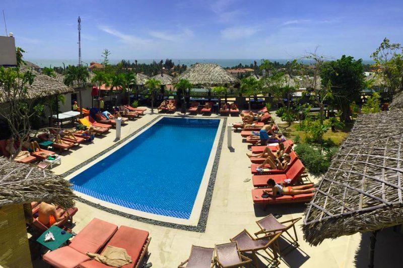 khach-san-phan-thiet-gan-bien-gia-re-mui-ne-hills-hotel