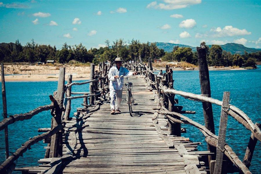 Review] Cầu Ông Cọp Phú Yên, cây cầu gỗ dài nhất Việt Nam