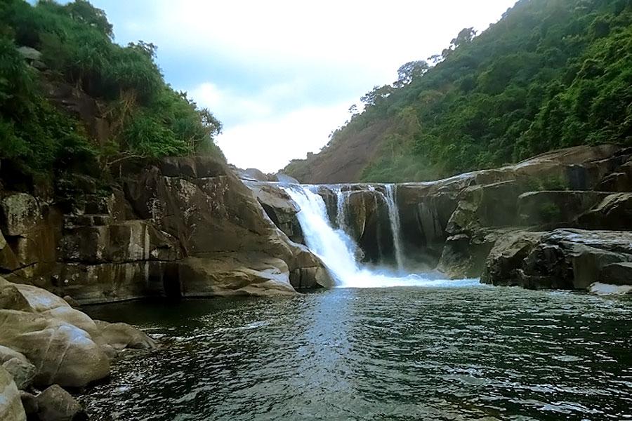 [Review] Chiêm ngưỡng vẻ đẹp kỳ vỹ của Vực Phun Phú Yên