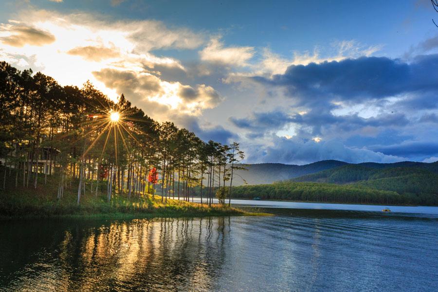 Chill Out] Một ngày bình yên tại Hồ Tuyền Lâm Đà Lạt | Cùng bạn du lịch